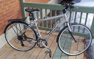 Vélo KHS Flite 200 - 24 vitesses / KHS Bike - 24 speed