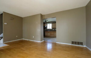 **Reduced** Semi-detached in Forest Glade Move in Ready! Windsor Region Ontario image 5