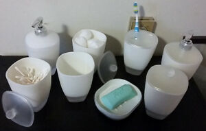 8 PEICE BATHROOM ACCESSRY SET (OBO) - EXCELLENT CONDITION