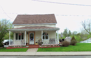 Brockville Family Home - Close to Downtown