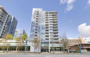 Bright specious 1 bed with large patio