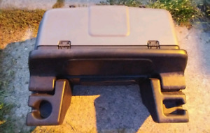 Two compartment atv cargo box