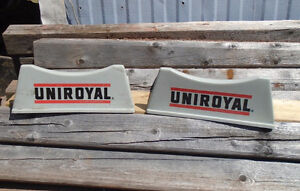 VINTAGE 1970-80's UNIROYAL TIRES 2-PC PLASTIC TIRE STAND SIGN