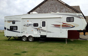 Must sell! 34 ft Jayco Eagle Fifth Wheel with bunks
