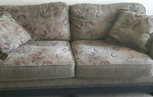 Beautiful Quality Sofa with matching pillows for sale