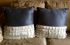 2 BLUE DECORATIVE PILLOWS WITH RUFFLES