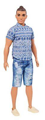 Barbie FNJ38 - Ken Fashionistas Puppe in verwaschenen Jeansshorts ()