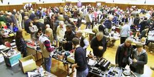 MELBOURNE CAMERA MARKET -TOMORROW !! SUNDAY 18th SEPT BARGAINS !! Box Hill Whitehorse Area Preview