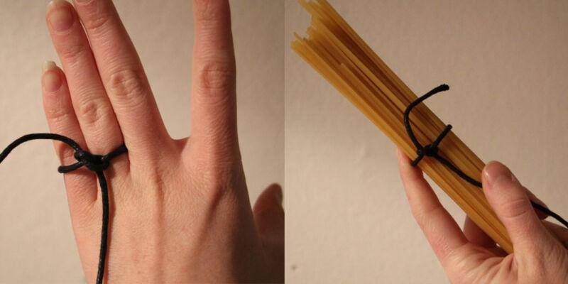Ganz klar: Wer spaghetti-dürre Finger hat, hat auch nur spaghetti-dürren Hunger. (© Sina Huth)