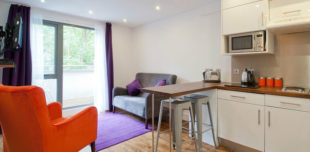 *SECURE SHORT LET Camden - All bills, free wifi, maid service - ideal for relocation or holiday let!