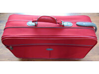 Carlton Red Weave Pattern Suitcase / Travel Case