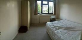 Double room in winton in detached house