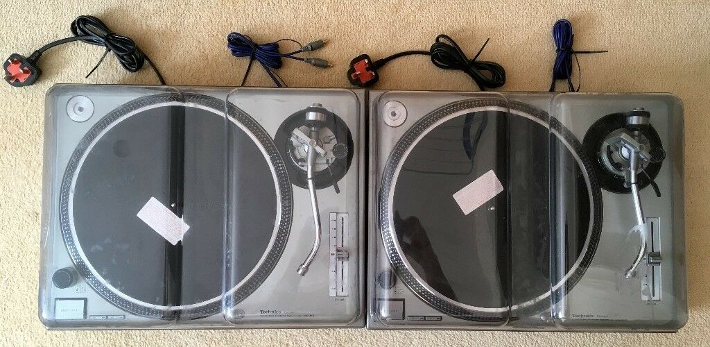 Pair of Technics 1200 Mk2s, Stanton 680v3 Cartridges