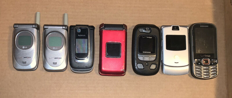 Lot of 7 Basic Untested Cellphones