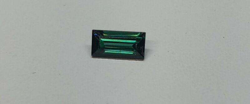 0.97cts Green Spinel 8x4mm Emerald Cut  D23