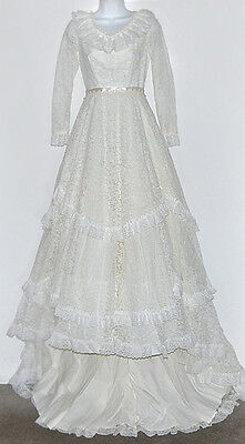 Queen Fit Gowns Vintage Ivory Lace Ruffle Layered Wedding Gown Dress & Veil XS/S