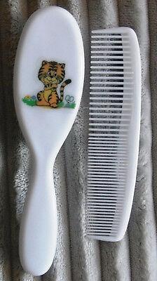 Babybürste und Kamm  Set  mit Tiermotiv eine Katze Neu