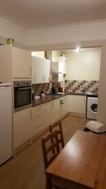 Cosy furnished attic room for professionals in great location, all bills included