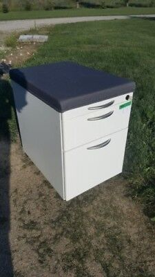 Mobile Steel 2 Drawer File Cabinet Nwob Unbranded White Wcushion 4 Pick-up