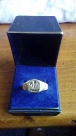 9ct welsh gold signet ring