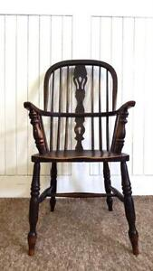 Exceptionnel Antique Windsor Chair