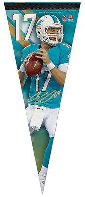 (New RYAN TANNEHILL Miami Dolphins QB NFL Premium Felt Collector's PENNANT)