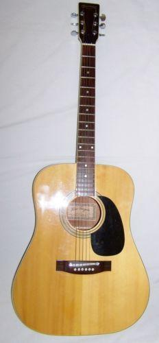 Suzuki Acoustic Guitar No F