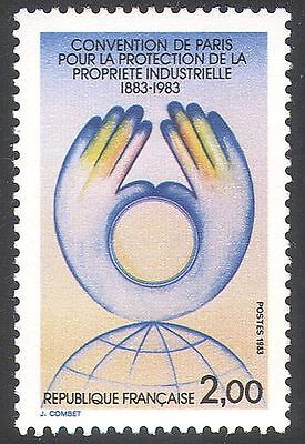 France 1983 Industrial Property Copyright Industry Hands Globe 1V  N41267