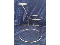 3-tier-modern-staggered-steel-wedding-cake-stand only used for 1 day in vgc