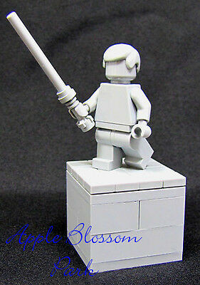 New Unique Lego Star Wars Luke Skywalker Statue Gray Display W Light Saber  Rare