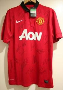 e081cd554 Manchester United Signed Shirt