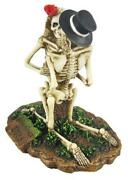 Skeleton Love Never Dies