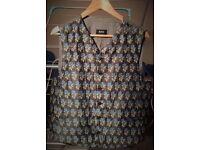 HUGO BOSS WAISTCOAT - Embroidered Blue Rose Design. 40-42 Chest