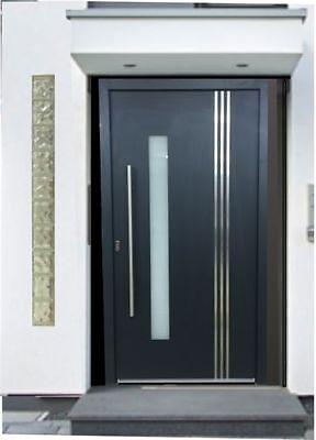 Eine Tür wie ein Bollwerk: Das Türblatt sollte idealerweise aus Massivholz, Kunststoff oder Metall sein. (© Welthaus)