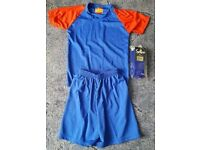 "Juniors Football Team Kits 12 Shirts & Shorts + 1 GK set Size 30/32"" Chest #F61"