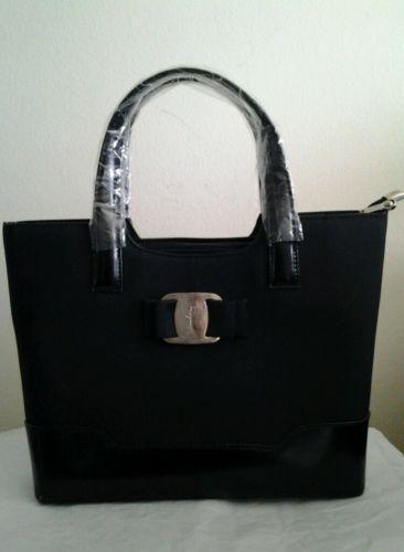 Ferragamo Handbag  61df18bd18452
