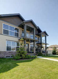 400 SPARROW HAWK DR #15 - STUNNING TOWNHOME