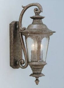 NEW LARGE OUTDOOR WALL LIGHT