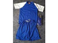 "14 Juniors Football Team Kits Shirts Shorts & Socks Size 30/32"" Chest #F58"