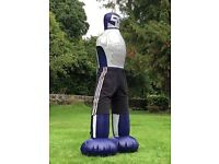 The kick dummy, perfect for working out and letting off some steam. Kick off those Lbs.