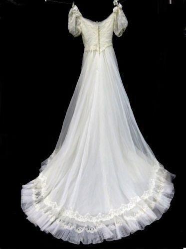Vintage ivory lace wedding dress ebay for Ebay vintage wedding dress