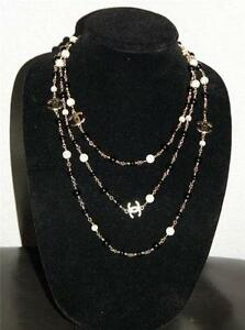chanel necklace. chanel black necklace