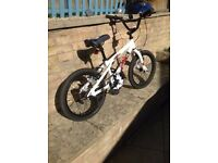 Apollo Force BMX bike with stunt pegs, 18 inch wheels (age 5-8),