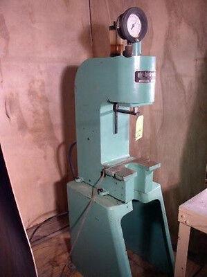1 Ton Air-hydraulic Model C-100 Pneumatic Press 12 Dlo