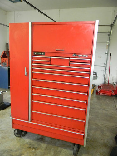 PROFESSIONAL SNAP ON KR7100 TOOL BOX WITH CASTER WHEELS ...