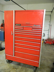 PROFESSIONAL SNAP ON KR7100 TOOL BOX WITH CASTER WHEELS TRADE???