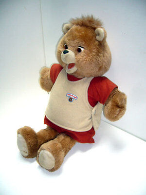 Teddy Ruxpin original (see video of Teddy talking) In great working condition.