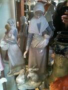 Nao Figurines Lady