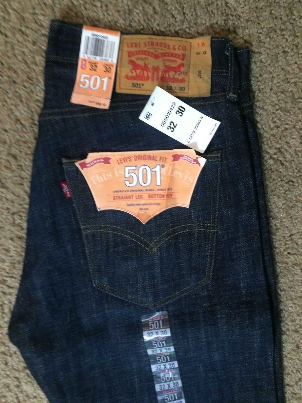 NWT Authentic Levis 501 Original Button Fly Blue Jeans (0422)