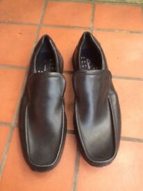 Clarks black slip on shoes NEW size 9 .5